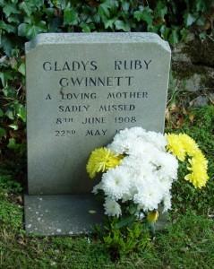Gladys Ruby Gwinnett's (nee Field) Tombstone